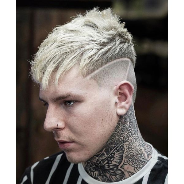 Undercut Short Hairstyle for Blonde Hair with Piecey Fringe and Layered Top