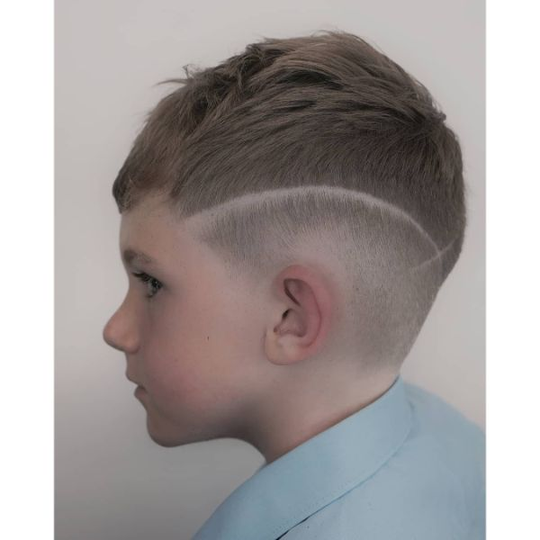 Sharp Skin Fade with Textured Top And Surgical Line