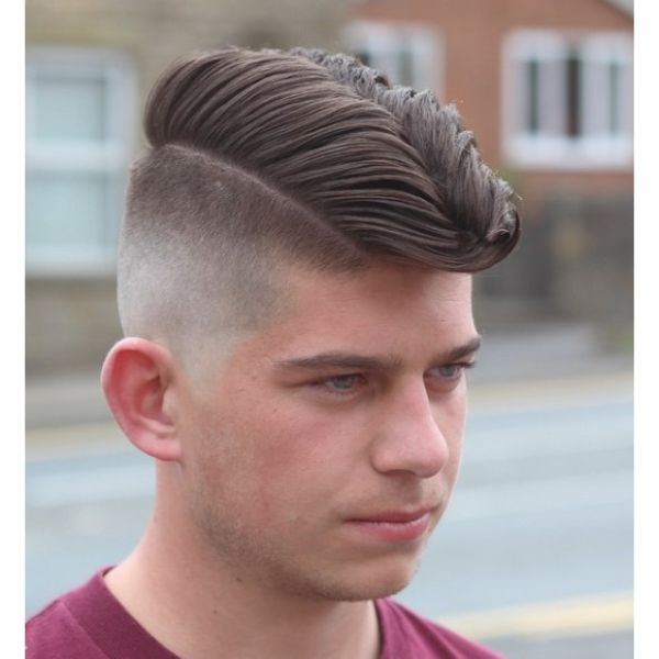 Skin Fade Jelly Rolls Hairstyle for Teenage Guys
