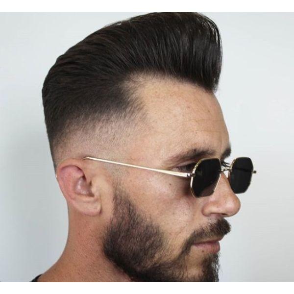 Vintage Pompadour Low Taper Fade Haircut
