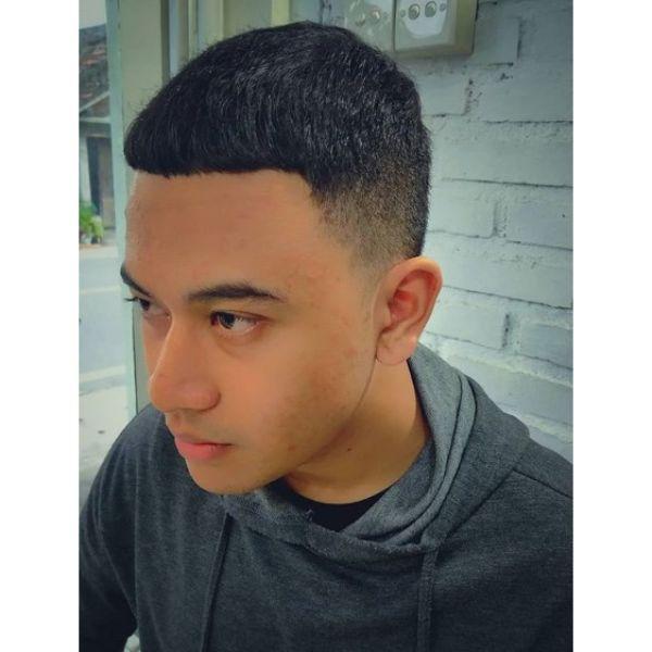 Blunt Caesar Short Haircuts For Men