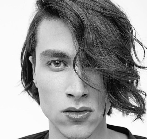Fabulous Flow medium length hairstyles for men with Falling Strands