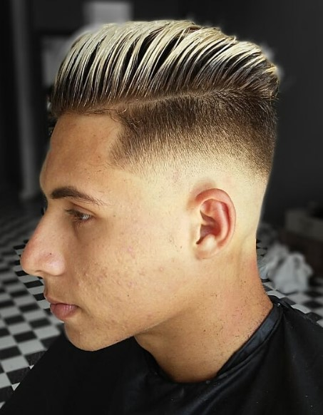 Frosted Tips Undercut Hairstyle with Hard Part For Men