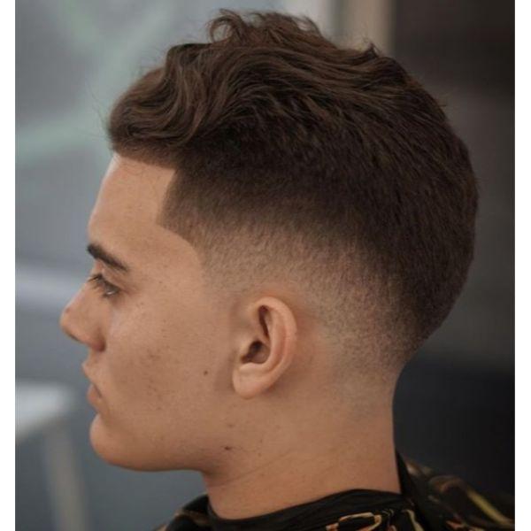 Wavy Sloppy Mop Top Short Haircuts For Men