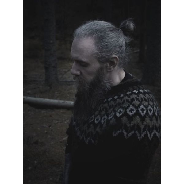 Grombre Top Knot with Long Beard Hairstyle