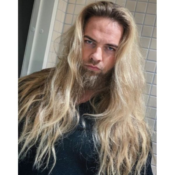 Long Messy Wavy Blonde Hairstyle