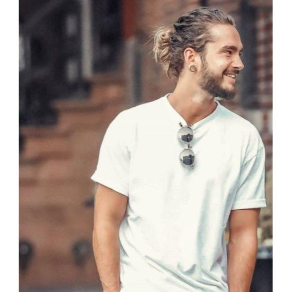 Tom Kaulitz Messy Bun