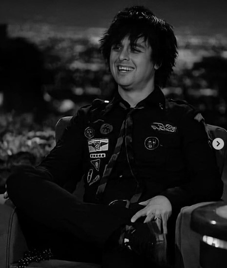 Billie Joe Armstrong Messy Punk hairstyle