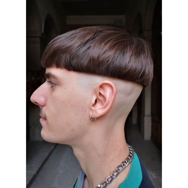 Extreme Bowl-cut Hairstyles For Men With Straight Hair