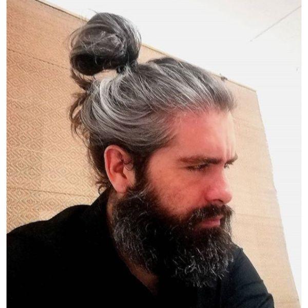 Grombre Man Bun with Beard