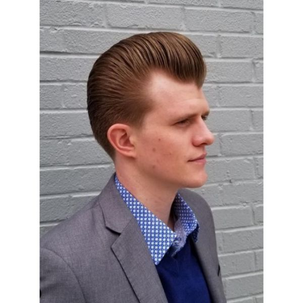 Red Colored Pomp With Bright Ginger Strands