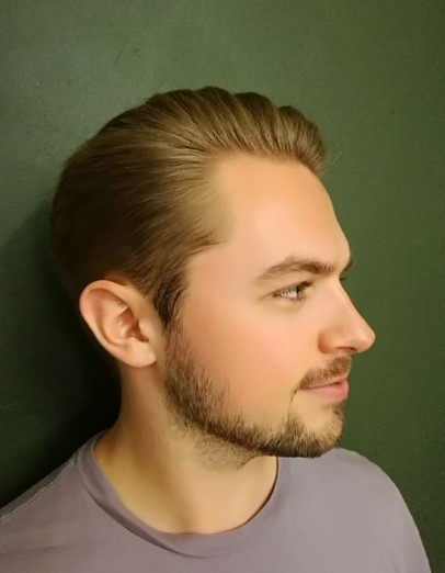Smooth Flow Haircut with Mature Hairline