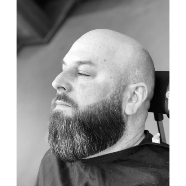 Clean Beard With Cool Contour