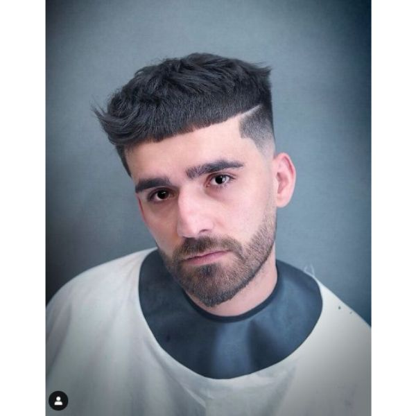 Cropped Bowl-cut with Disconnection Hairstyle