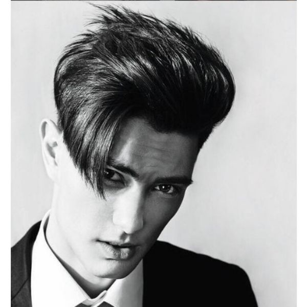 Layered Haircut With Side Swept Strands layered haircuts for men