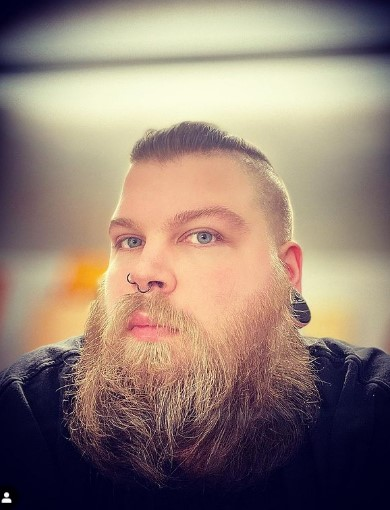 Long Flowy Beard For Diamond Shaped Face
