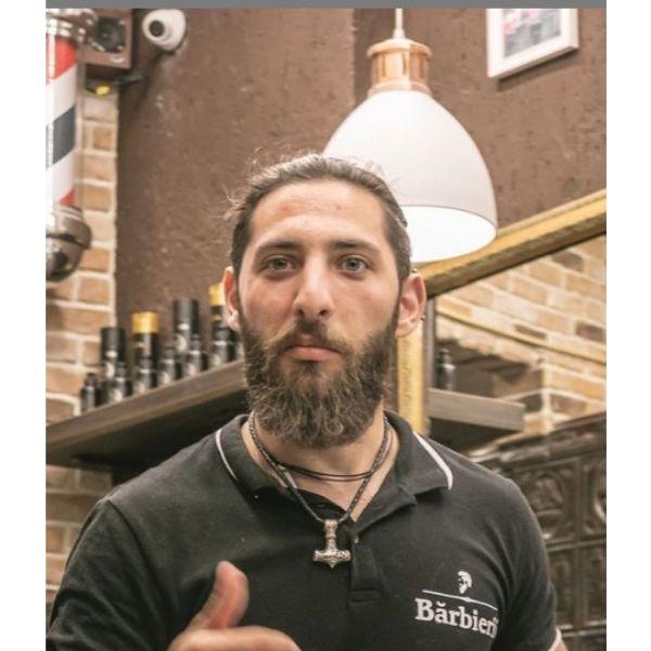 Long Full Beard For Oval Face