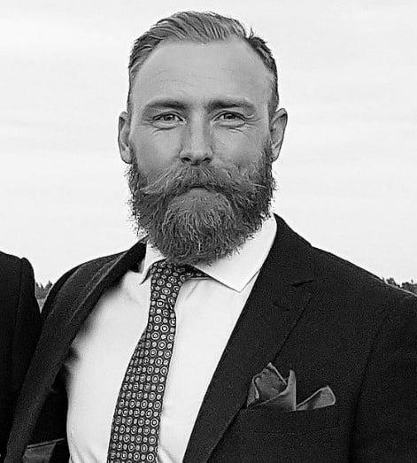 Medium Long Beard For Diamond Face
