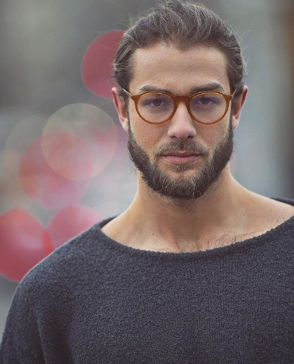 Preppy Style Beard With Short Mustache For Diamond Face