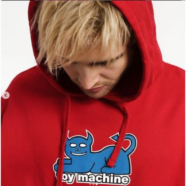 Short Blonde Textured Skater Hairstyle With Hoodie